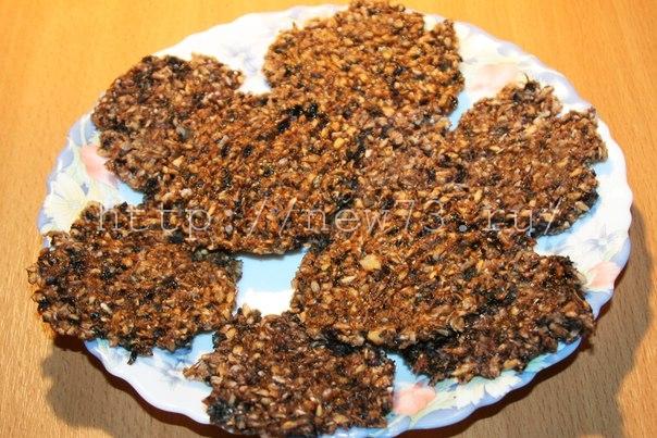 Рецепт - Печенье с изюмом сыроедческое